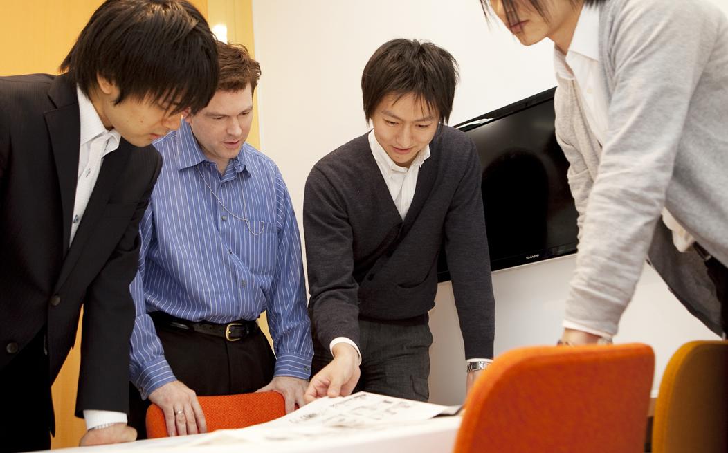 エリクソン・ジャパンの社員の約2割が外国人社員です。日本採用の外国籍社員の他、海外のエリクソンから招かれて日本の駐在し、専門知識の共有や新規プロジェクトのサポートなどを行っている社員がいます。